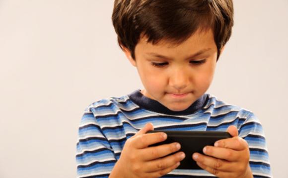 okostelefon: kell-e a gyereknek